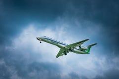 巴西航空工业公司ERJ-145-LI航空公司Komiaviatrans VQ-BWO  免版税库存图片