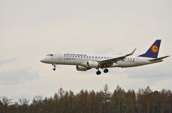 巴西航空工业公司ERJ 190-200LR 库存图片
