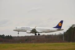 巴西航空工业公司ERJ 190-200LR 库存照片