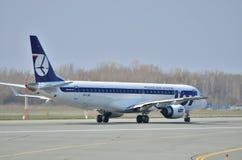 巴西航空工业公司ERJ 170 PLL全部 图库摄影