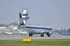 巴西航空工业公司ERJ 170 PLL全部 免版税库存图片
