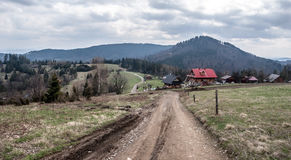 西莱亚西Beskids山好的风景吼叫Cieslar小山 库存照片
