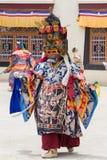 西藏人在拉达克,北部印度穿戴了跳舞Tsam在佛教节日的面具奥秘舞蹈在Hemis 免版税库存图片