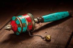西藏佛教玛尼轮子或手地藏车 免版税库存图片