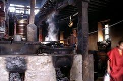 西藏修道院厨房 免版税图库摄影