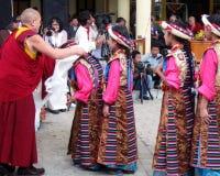 西藏流放在印度庆祝达赖喇嘛的生日 库存照片