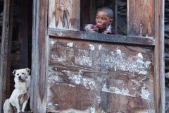 西藏男孩,尼泊尔画象  免版税库存图片