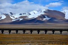 西藏的最美丽的路 库存照片