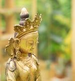 从西藏的菩萨Amitayus雕象 佛教,凝思 免版税库存照片