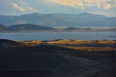 西藏草原和沙漠 库存图片