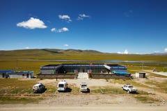 西藏高原的中国军队前哨基地 库存图片