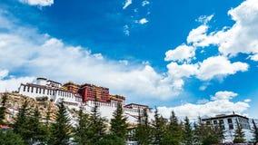 西藏,布达拉宫的历史的合奏,拉萨 免版税库存图片