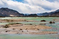 西藏,高地河 免版税库存照片