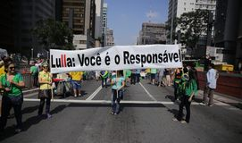巴西街道抗议保罗4月12日2015年São 免版税库存照片