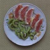 西西里人的桔子和猕猴桃切片 免版税库存图片