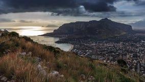 西西里人的沿海岸区风景 免版税库存图片