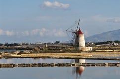 西西里人的风车 图库摄影