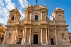 西西里岛noto圆顶视图在晴天 免版税库存照片