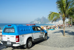 巴西警察交换Arpoador里约热内卢巴西 免版税库存图片
