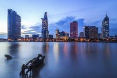 西贡、越南- 2017年5月03日-第1区,有许多现代大厦和办公室的胡志明市的发展 免版税库存照片