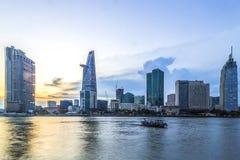 西贡,越南- DEC 26日2016年-第1区,有许多现代大厦和办公室的胡志明市的发展 库存图片