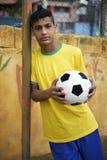 年轻巴西足球足球运动员 库存照片