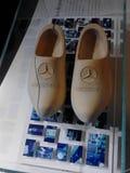 默西迪丝鞋子 免版税库存照片