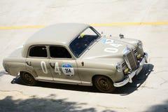 1954年默西迪丝180在Mille Miglia的D 免版税库存图片