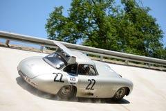 1952年默西迪丝300在Mille Miglia的SL Coupè 库存图片