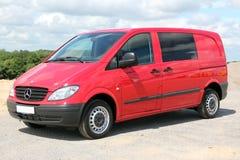 默西迪丝维托111 CDI 2009红色 免版税库存照片