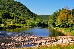 西部康沃尔郡, CT :Housatonic河视图 图库摄影