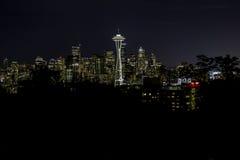西雅图在夜之前 库存照片