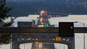 西雅图高速公路520交通时间间隔桥梁黄昏平底锅 影视素材