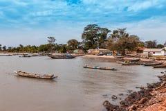 西非冈比亚-小捕鱼港口 免版税库存照片