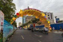 西贡、越南- 2017年1月23日-阮惠走的街道和花街道在旧历新年期间在胡志明市街市  免版税库存图片