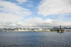 巴西-抽油装置在瓜纳巴拉海湾-里约热内卢 免版税图库摄影