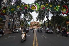 西贡,越南- 2017年1月23日-装饰在西贡在旧历新年期间在胡志明市,越南街市  免版税库存照片