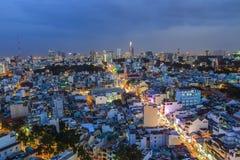 西贡,越南- DEC 17日2015年-第1区,有许多现代大厦和办公室的胡志明市的发展 库存照片