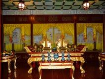 要崇拜清宫皇帝和女皇的大厅 免版税库存照片