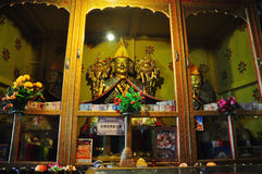 主要Tsong Khapa雕象在哲蚌寺 库存照片