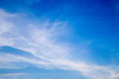 覆盖在蓝天的精美流程 库存图片