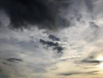 覆盖天空星期日 图库摄影