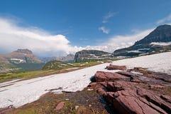 覆盖山口天空雪 库存照片