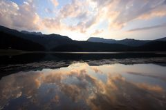 覆盖湖 库存图片
