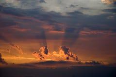 覆盖黑暗的天空 免版税图库摄影