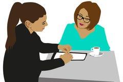 见面在咖啡馆的女商人 免版税库存照片