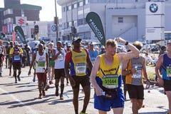 观众和赛跑者Marathon同志的在德班22 免版税库存照片