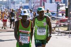 观众和赛跑者Marathon同志的在德班20 免版税图库摄影