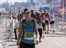 观众和赛跑者Marathon同志的在德班18 库存照片