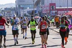 观众和赛跑者Marathon同志的在德班12 免版税库存图片